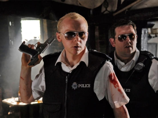 hot-fuzz-2007-simon-pegg-with-gun-and-nick-frost-00n-pai-1000x750